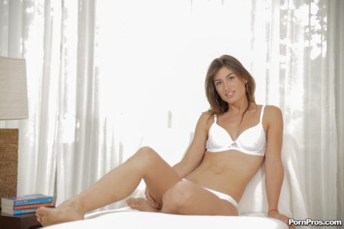 entrevista-julia-roca-posing (18)